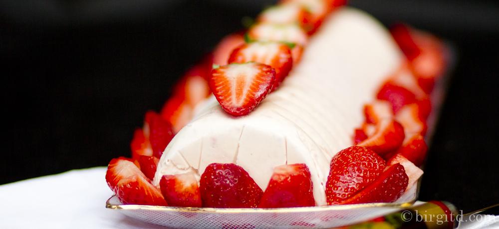 Erdbeer-Parfait ♥ delicious