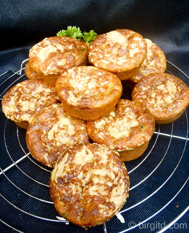 Zucchini-Kräuter-Muffins