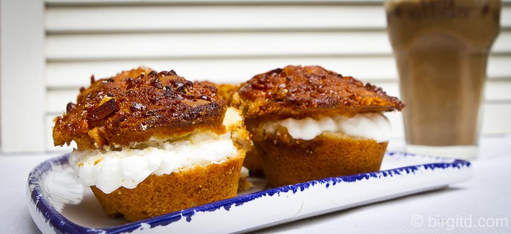 Bienenstich-Muffins mit Mascarponefüllung
