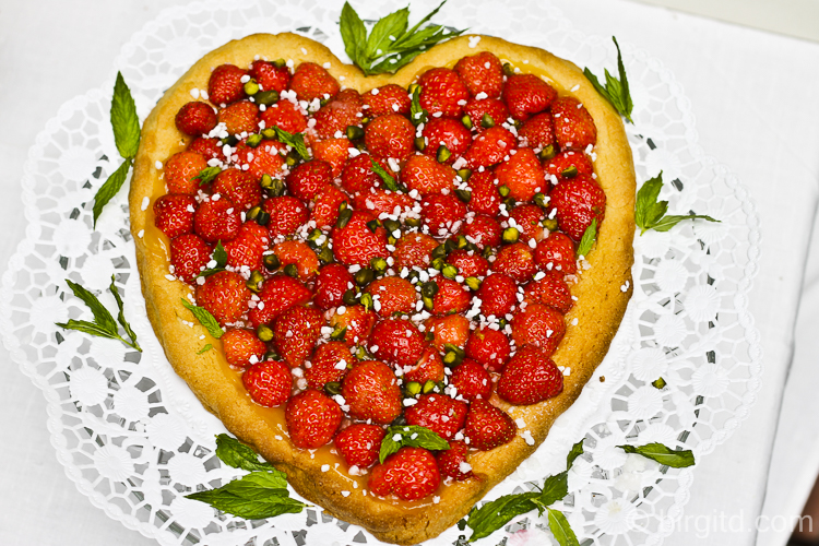 Erdbeer-Herztorte