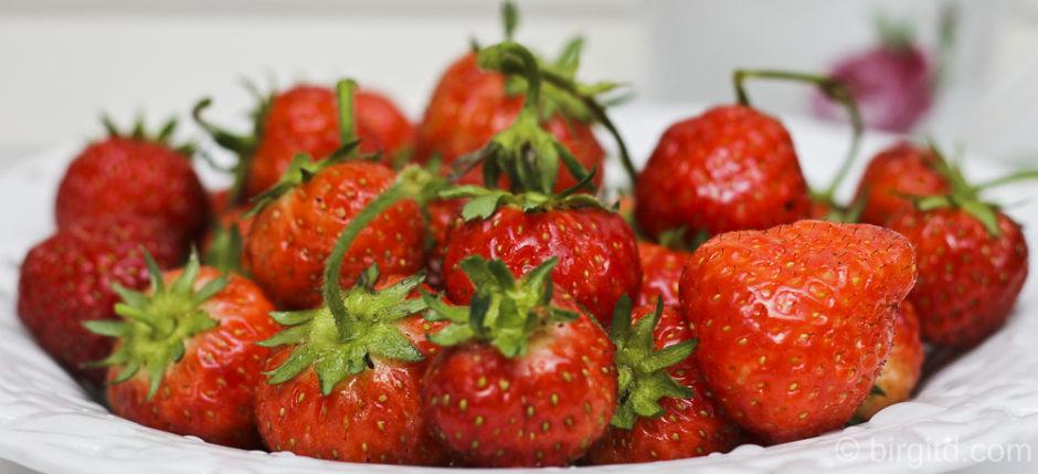 Erdbeeren für die Geburtstagstorte