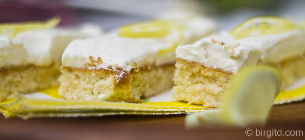 Zitronenkuchen mit einer sahnigen Crème – blitzschnell gemacht