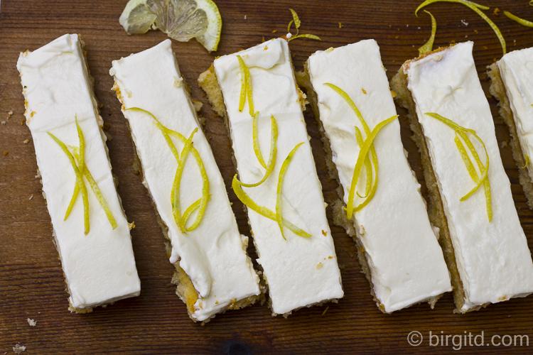 Zitronenkuchen mit Frischkäsecreme
