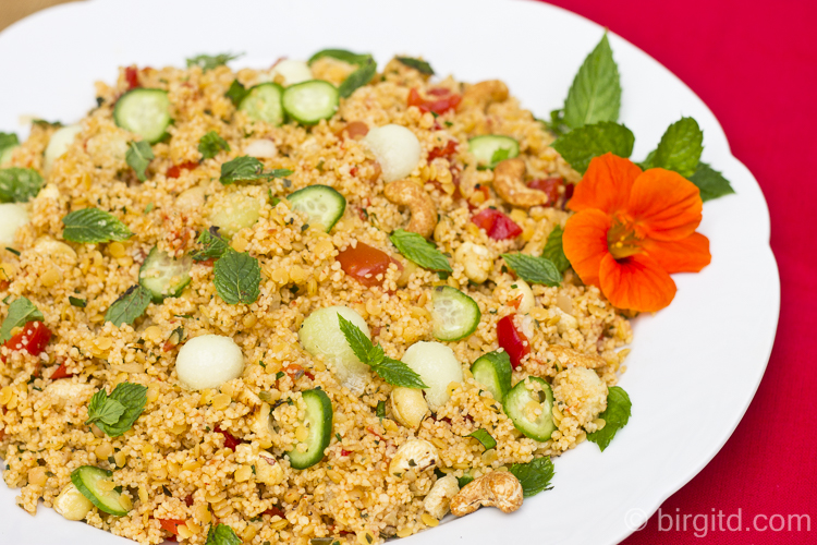 Couscous-Salat mit Melone und Minze