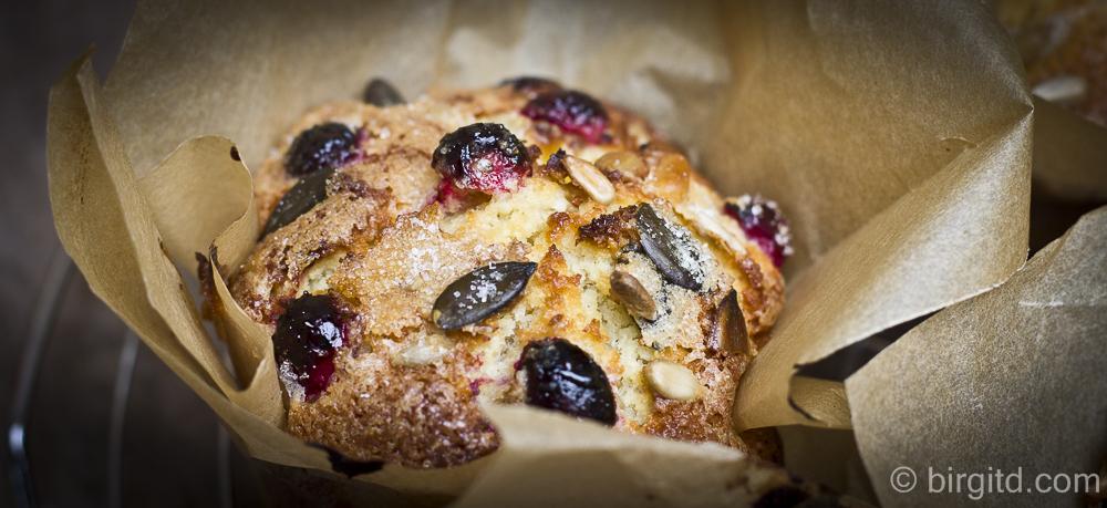 Knusper-Muffins mit Apfel und Cranberries in XXL
