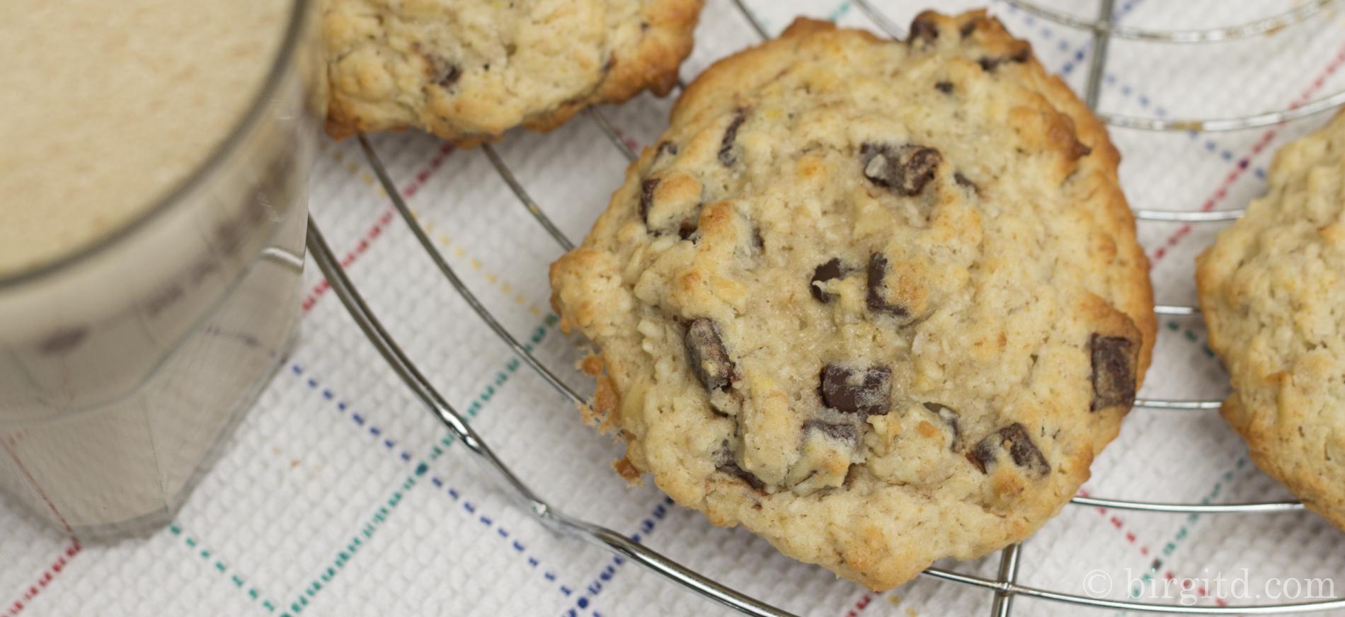 Kernige Bananen-Kokos-Cookies mit Schoko-Chips