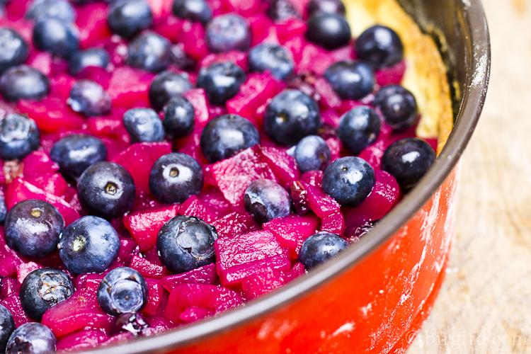 Heidelbeer-Apfelkuchen mit einem Hauch Ingwer