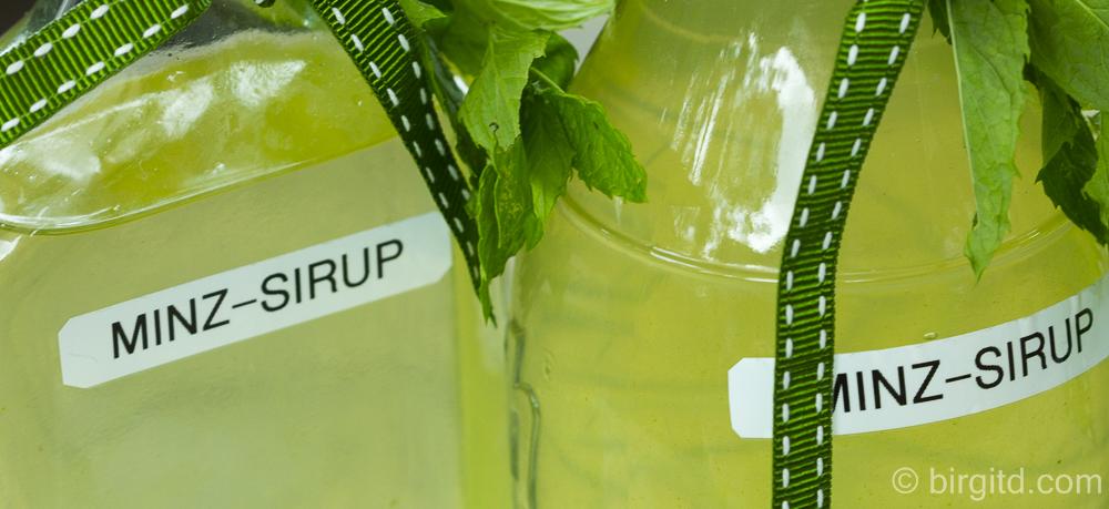 Selbstgemachter Minz-Sirup für sommerliche Erfrischungen