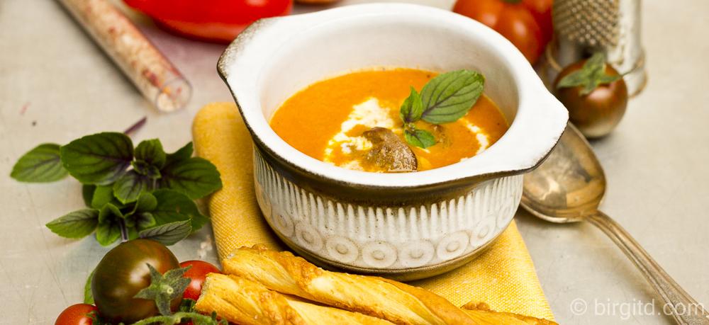 N° 49 ♥ Mediterrane Tomatensuppe mit Merguez – fruchtig & pikant