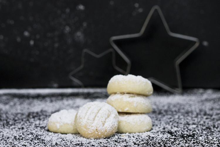 Weihnachtsplätchen:  Schneeflöckchen-Gebäck