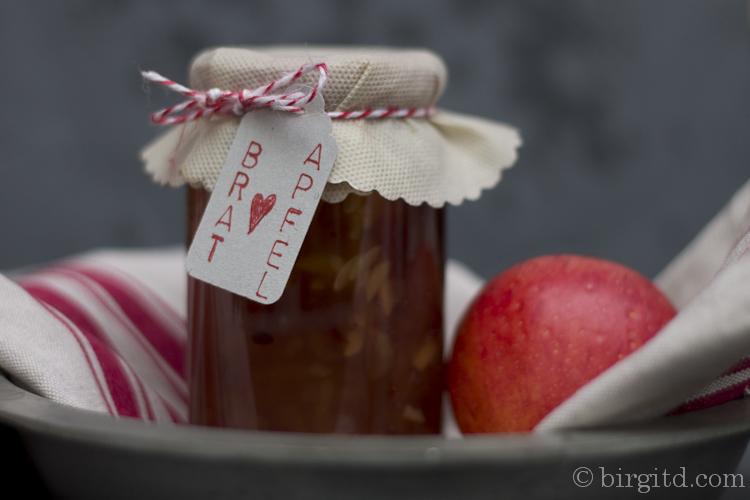 Baked apple jam - Bratapfel-Konfitüre