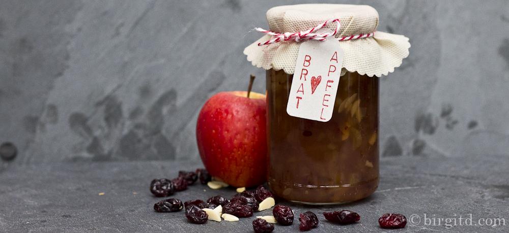 Bratapfel-Konfitüre mit Cranberries – ein winterlicher Frühstücksgenuss
