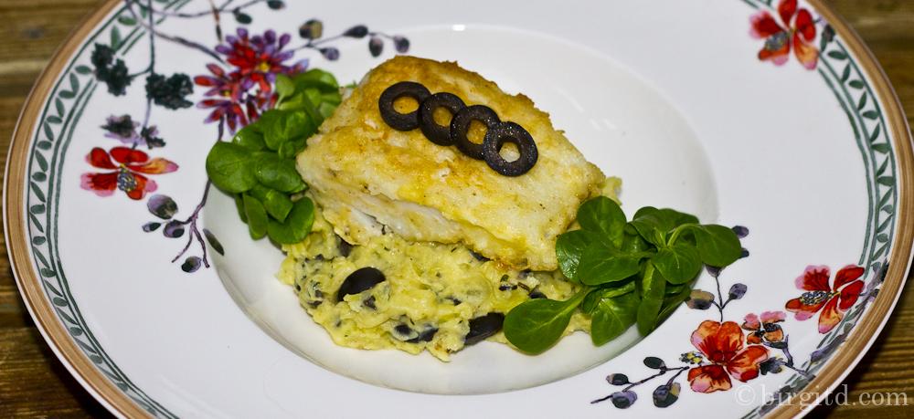 Mediterranes Kartoffel-Oliven-Püree mit gebratenem Winter-Kabeljaufilet