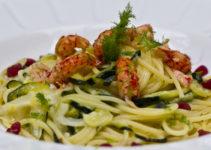 Pasta mit Zucchini, Fenchel und Flusskrebsen