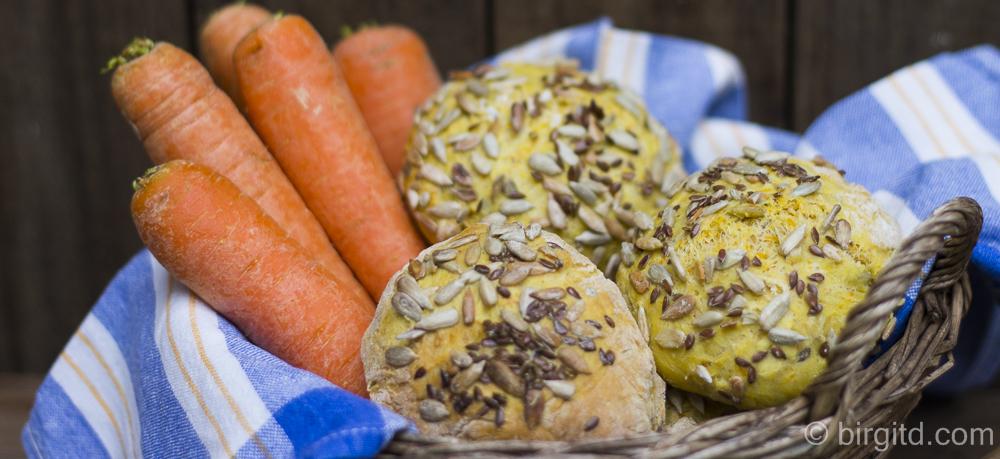 Knusprige Karotten-Brötchen – herrlich aromatisch & fluffig
