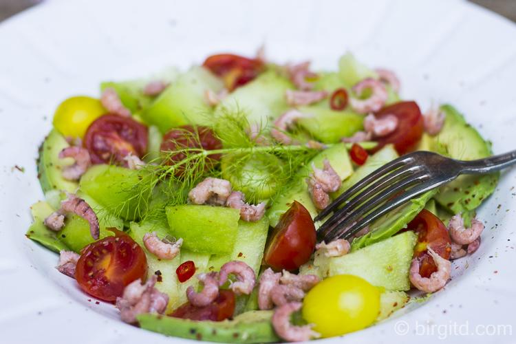 Sommersalat mit Melone, Avocado, Tomate & Krabben