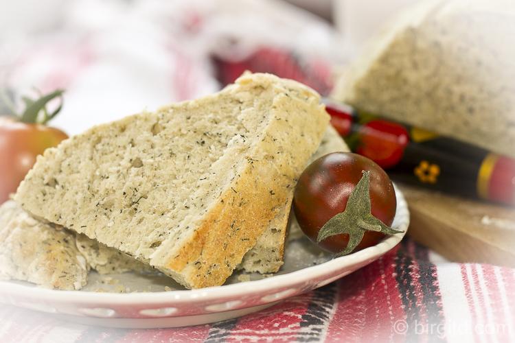 Dill-Käsebrot als Beilage zum Borschtsch