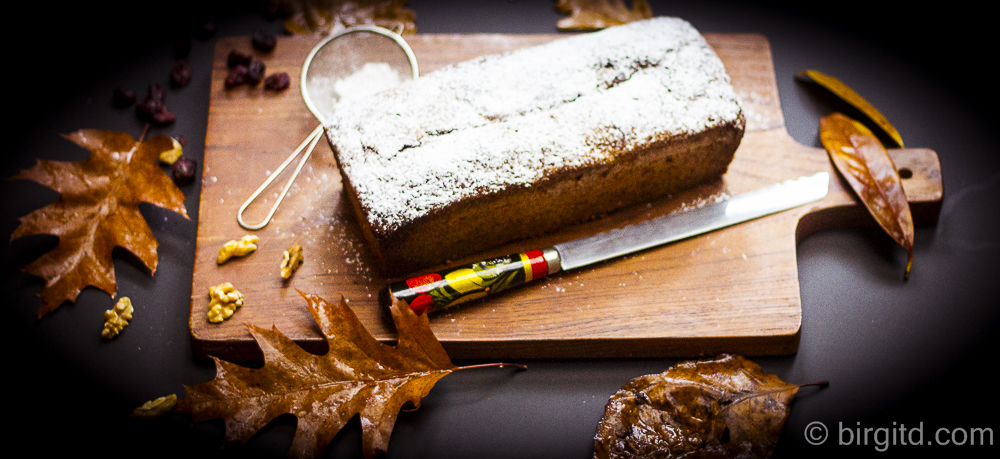 Schnelles Kürbisbrot mit Walnüssen & Cranberries – zum Frühstück oder nachmittags zum Tee