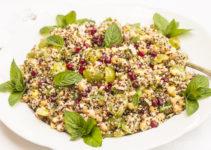 Quinoasalat mit Granatapfel und Trauben