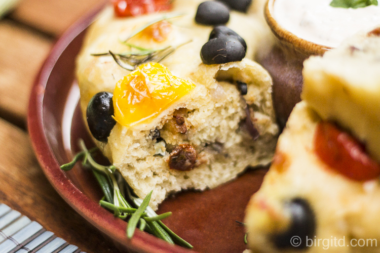 Angeschnittenes No-Knead Partybrot