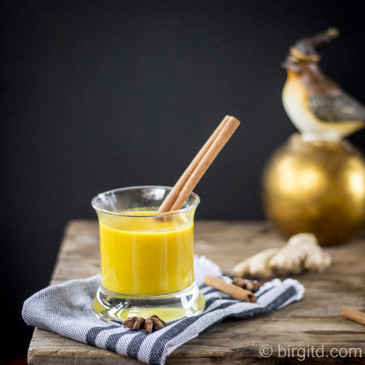 Goldene Milch aka Kurkumamilch