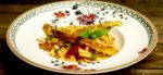 Spargel-Piccata und karamellisierte Tomaten mit Basilikum