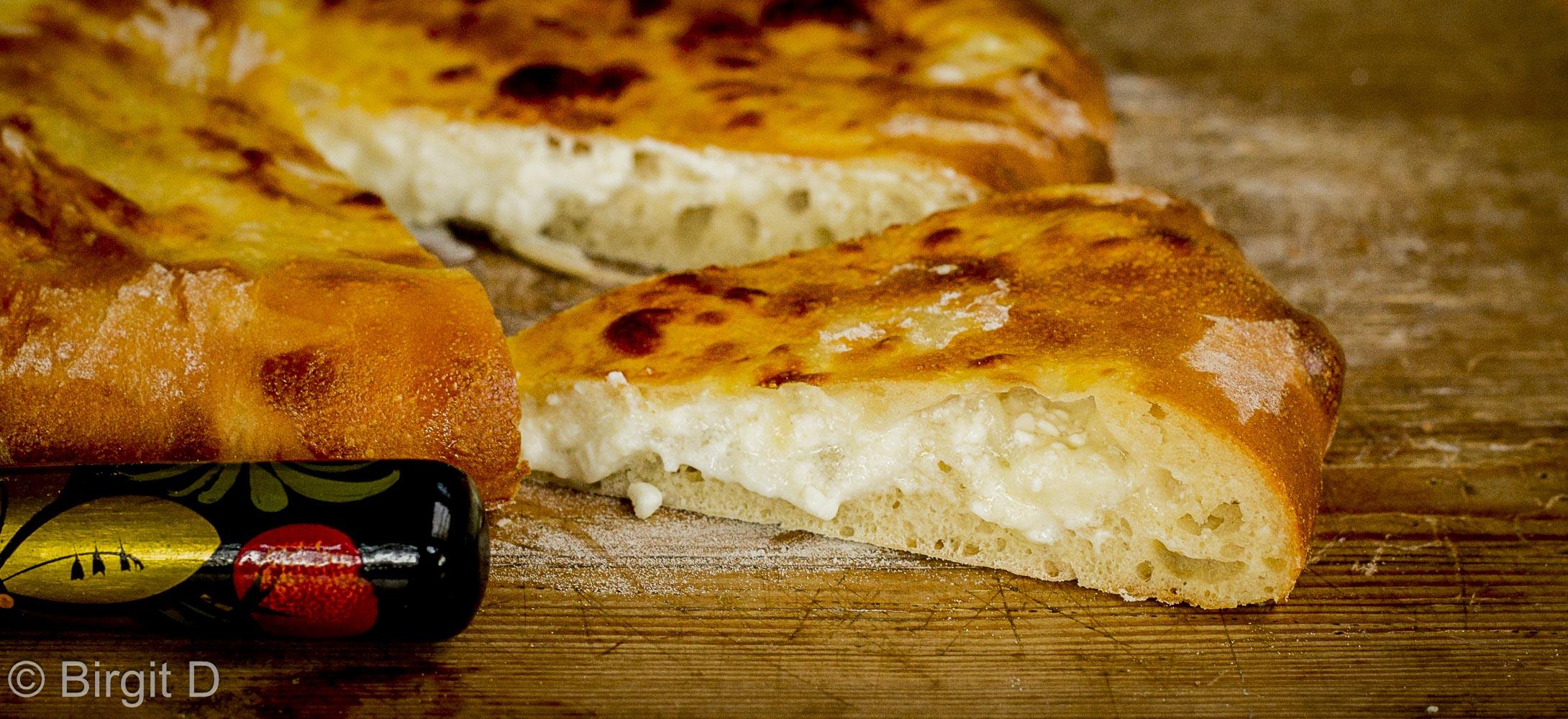 Brote aus aller Welt: Chatschapuri, georgisches Käsefladenbrot