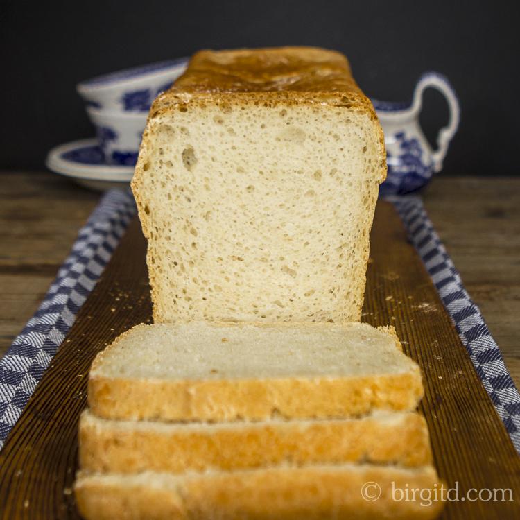 Toastbrot mit Salz-Hefeverfahren im Anschnitt