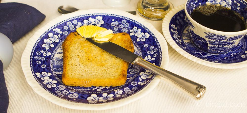 Toastbrot nach dem Salz-Hefeverfahren in zwei Varianten – Brote aus aller Welt