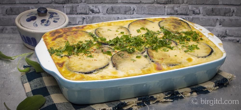 Moussaka – griechischer Auflauf mit Auberginen, Hackfleisch und Kartoffeln