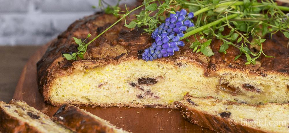 Aachener Poschweck in zwei Variationen – ein traditionelles Osterbrot