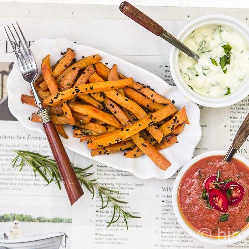 Süßkartoffel Frites mit veganer Mayo und Blitz-Ketchup