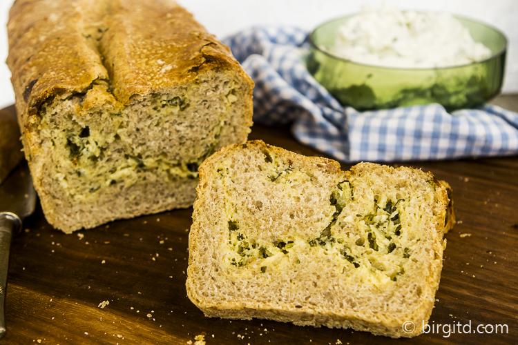 Kräuter-Käse-Brot