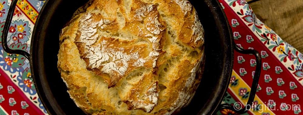 Joghurtbrot, no knead – mit lockerer Krume und knuspriger Kruste