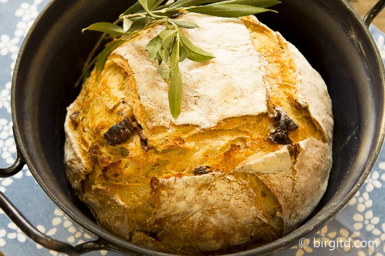 Mediterranes Landbrot, no knead