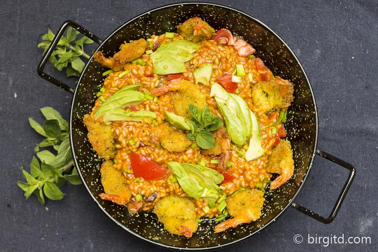 Tomaten-Risotto mit Scampi
