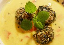 Kichererbsensuppe mit Sesam-Fleischklößchen
