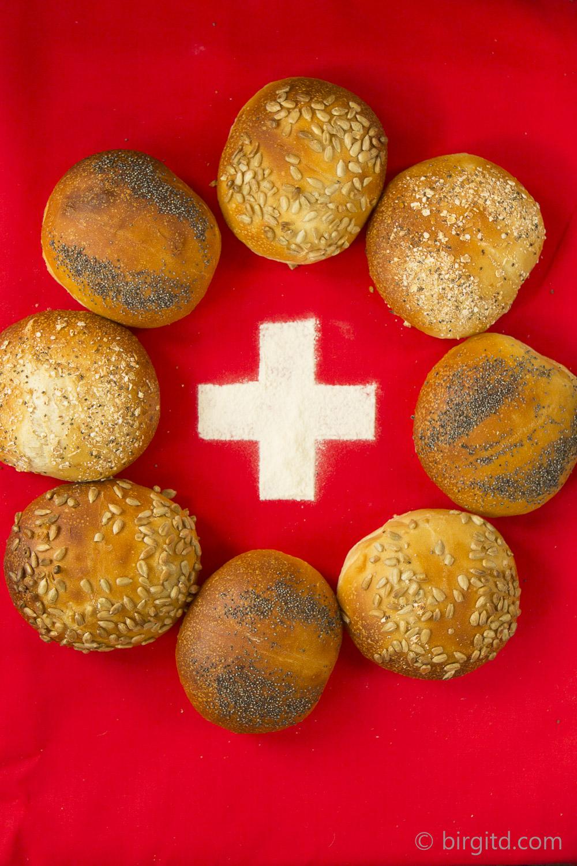Schweizer Weggli mit Saaten