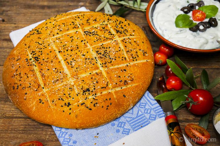 Pide Ekmek, das türkische Fladenbrot